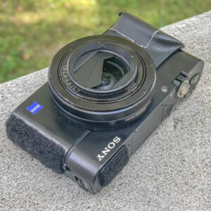 Photo of a dusty six-year-old Sony RX100m3